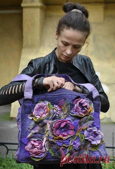 Купить Авторская ручная работа Валяная арт-сумка Осенние сны - тёмно-фиолетовый, цветочный