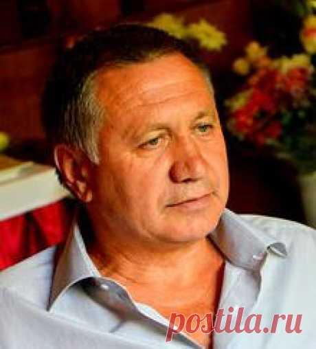 Валентин Смирный