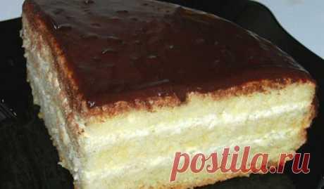 Бисквитный торт «Чародейка». Изумительный вкус, знакомый с детства! Невероятно вкусный и нежный торт! Готовится без особого труда!Торт ЧародейкаИнгредиентыДля теста: Четыре яйца Одна чайная ложка разрыхлителя Один стакан сахара Один стакан муки Для крема: Один стакан …
