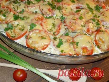 Картофельная запеканка с рыбой — сытное, аппетитное и очень полезное блюдо    Прекрасная идея к ужину!           Ингредиенты: картофель — 5-6 штфиле рыбы — 500 грпомидор — 2 штлук — 1 головкасыр — 50 грзеленьсливки — 250 (у меня 20%) Приготовление: Очищенный картофель нарез…