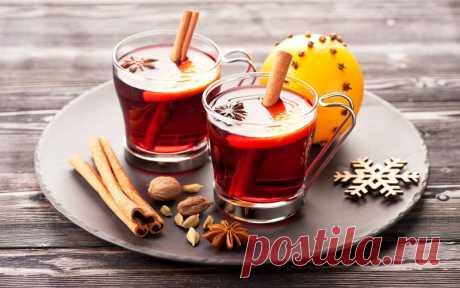 Чай с корицей — 7 рецептов ароматного напитка В былые времена чай с корицей подавали только знатным особам – в первую очередь королевской чете. Связано это с тем, что корица была дефицитным продуктом, поскольку росла только на далеком острове Шри