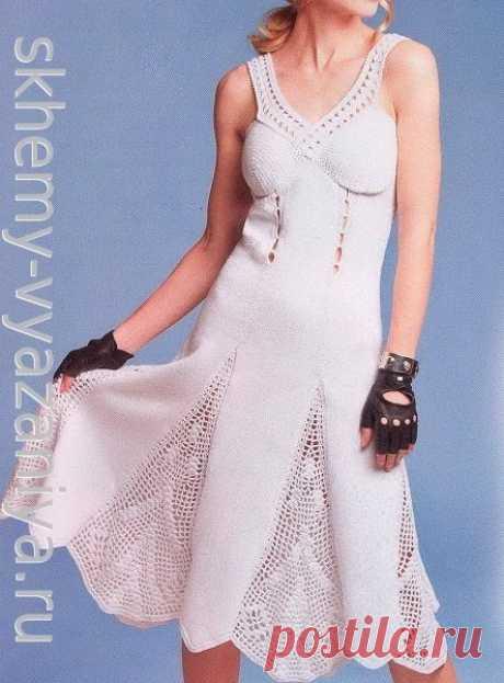Белый сарафан с юбкой годе с ажурными клиньями - схема вязания и описание крючком