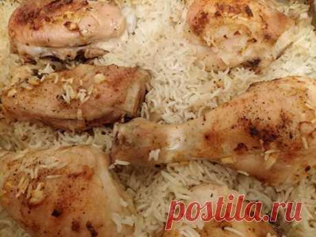 Куриные окорочка с рисом в духовке - рецепт легкого приготовления | Вкусный день | Яндекс Дзен