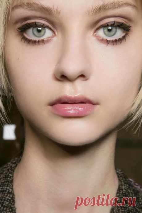 Как увеличить глаза с помощью стрелок: Топ 4 метода