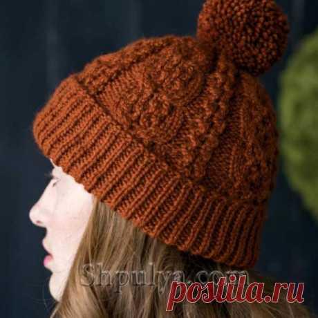 Шапка с аранами древесного цвета — Shpulya.com - схемы с описанием для вязания спицами и крючком