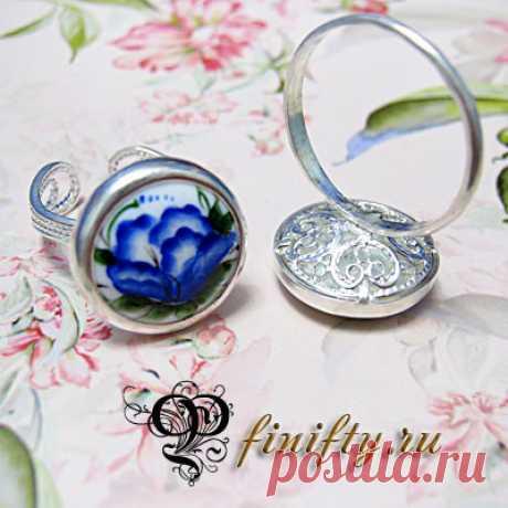 Кольцо Вставка: финифть Оправа: латунь, двойное серебрение.