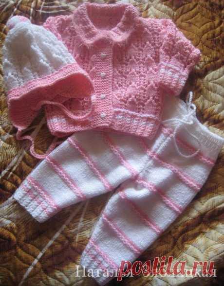Бело — розовый комплект