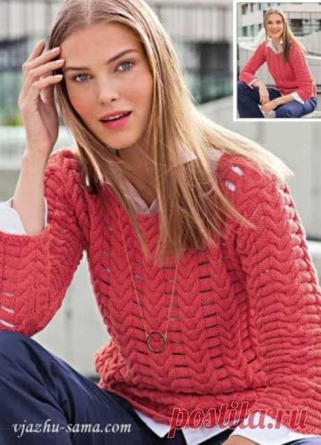 Пуловер с узором из кос с разрезами