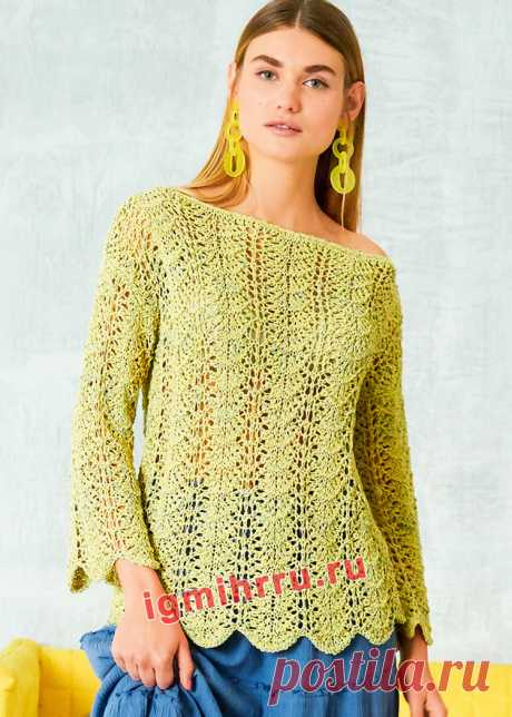 Желто-зеленый пуловер с воздушным волнистым узором. Вязание спицами со схемами и описанием