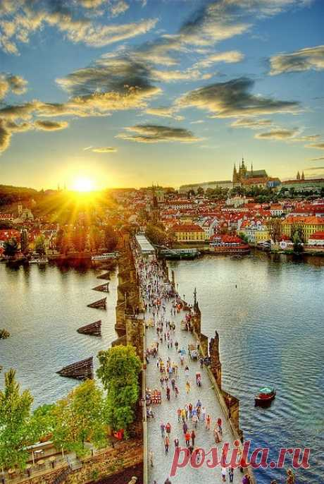 © Прекрасное утро в старом городе. Прага, Чехия