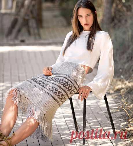 Жаккардовая юбка с бахромой - схема вязания крючком с описанием на Verena.ru