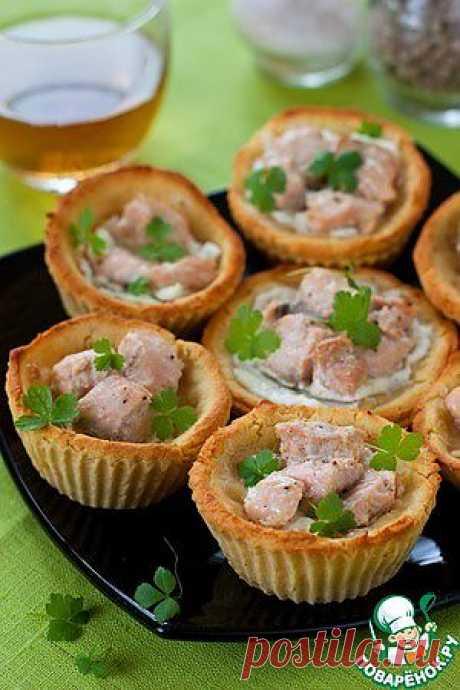 Гороховые тарталетки с творожным сыром и форелью - кулинарный рецепт