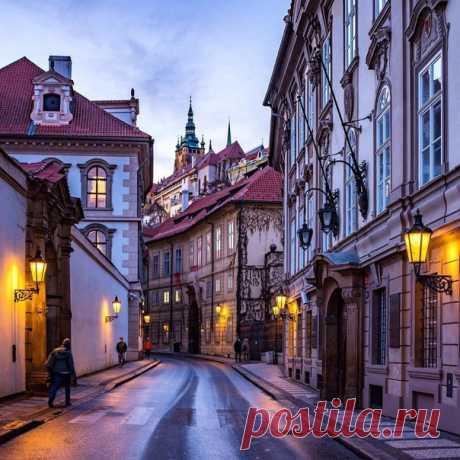 #Прага@discoverygroup