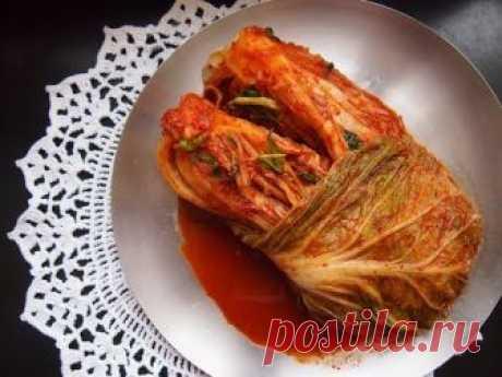 Корейская кухня: бэчу кимчи (배추김치) или кимчи из пекинской капусты.