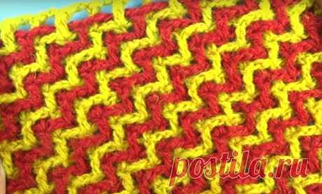 Эффектные узоры крючком  Эффектный узор крючком    Этот узор вяжется из ниток контрастного цвета. Лучше всего использовать однотонные нитки. Узор создается переплетением филейных сеток. Для этого в самом начале провязываем п…