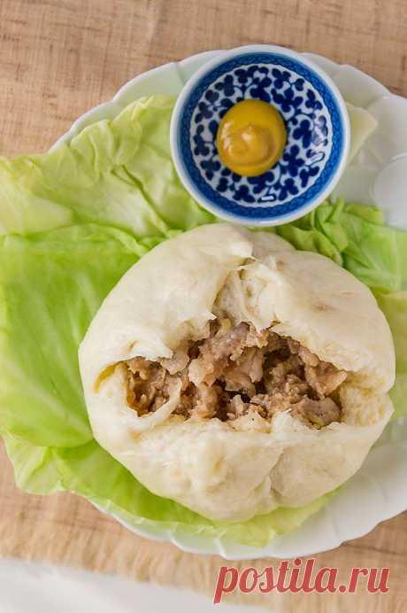 Nikuman (Baozi).  Это японская булочка, заполненная сочной начинкой из мяса и лука.
