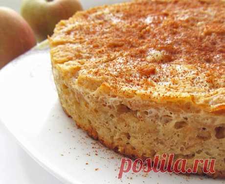 Творожная запеканка с овсянкой и яблоками: полезная вкусняшка Ингредиенты: творог - 200г; яйца - 3шт.; сметана - 3 ст.л.; сахар - 2-4 ст.л. (по своему вкусу); яблоко - 2 шт.; овсяные хлопья - 1 ст.