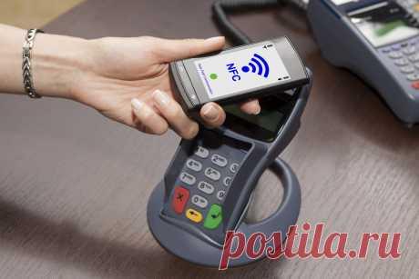 Какое приложение нужно скачать, чтобы расплачиваться телефоном в магазине? Многие задают такой вопрос. Ответ достаточно прост. Для каждой марки смартфона имеется собственное приложение