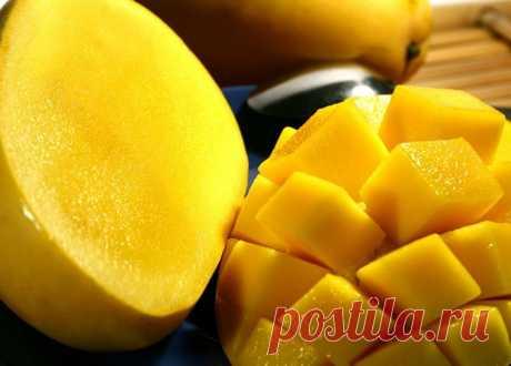 Sindhu - Mango deshuesado Los científicos indios durante tres años de duro trabajo por primera vez en el mundo lograron producir mango sin piedras. Esta fruta deliciosa y fragante se llamaba Sindhu. El éxito fue logrado por científicos de la Universidad Agrícola de Bihar. Cruzaron dos variedades de esta fruta: Alfonso y Ratna. El resultado fue una nueva fruta llamada sindhu.