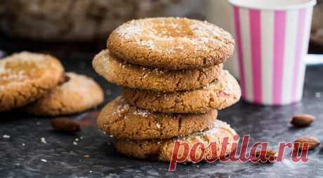 Песочное печенье с повидлом.