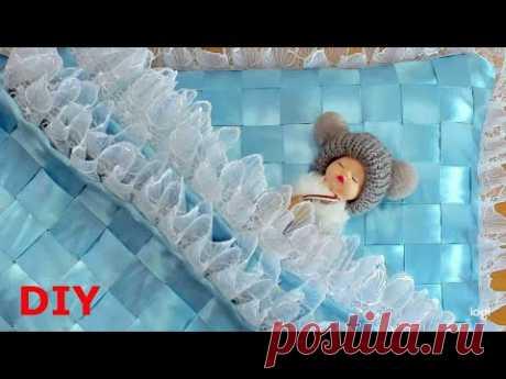 Из атласных лент можно сделать и это.Комплект для новорожденного Set for a newborn from ribbons