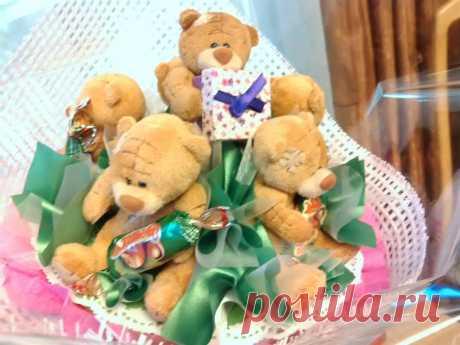 """Букет из конфет """"Мишки Тедди"""""""