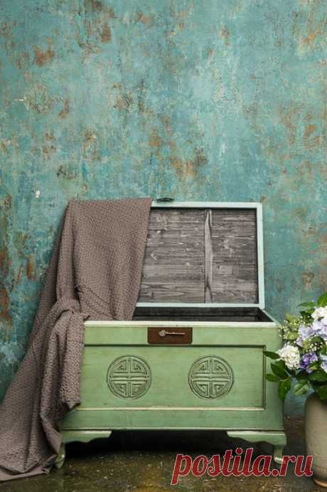 Отличное место для хранения + оригинальный декор = сундук в вашем интерьере 🔥 Товары в наличии:
