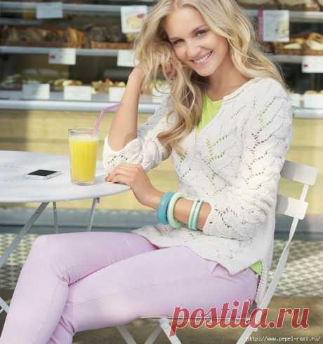 Нежный ажурный пуловер на лето белого цвета спицами!