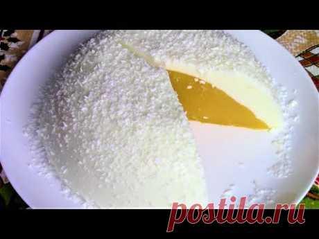Для детей и взрослых нежный, освежающий и очень вкусный Новогодний десерт Страусиное яйцо.