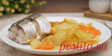 Запеченная скумбрия в духовке с картошкой - идея для ужина. Пошаговый рецепт с фото.