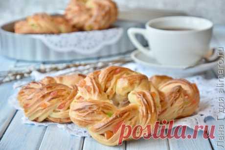 Вкусный рецепт Пасхальные колечки - интересно и очень вкусно, пошаговый, с фото и отзывами 👍 Сдобное тесто для булочек, Праздничный обед, Домашние булочки, Булочки к чаю, Пасхальная выпечка