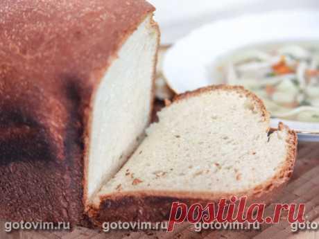 Яичный хлеб. Рецепт с фото У этого хлеба душистый пористый мякиш и поджаристая темная корочка. По вкусу больше подойдет для бутербродов на завтрак.