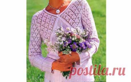 Сказочно красивый пуловер Вязаный спицами сказочно красивый, женственный пуловер с необычным расположением узоров. Описание