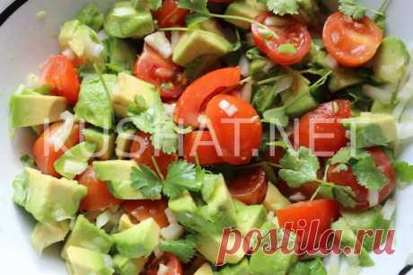 Салат с авокадо и помидорами черри. Рецепт с фото • Кушать нет