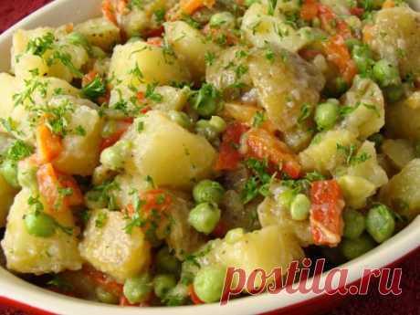 Такая вкуснятина получилась — картофель тушеный с зеленым горошком
