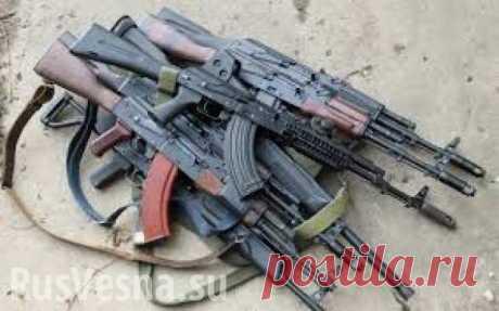 En que la diferencia presente AK de la falsificación En que la diferencia presente AK de las falsificaciones (VÍDEO)\u000a\u000a25\/10\/2017 - 8:42\u000a\u000a\u000a\u000a\u000a\u000a\u000a\u000a\u000a\u000a\u000aEl fusil Kalashnikov es, sin duda, el arma más difundida en el mundo. Las modificaciones AK distintas serían hechas …