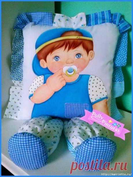 Замечательные подушки-куклы, которые расписаны акриловой краской для текстиля