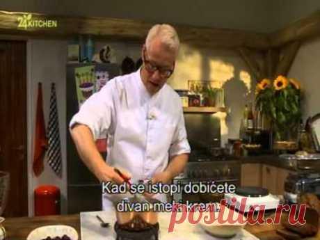 Rudolphs Bakery - Makaroni sa gana š kremom od bele čokolade - Topla slatka pita od kozjeg sira