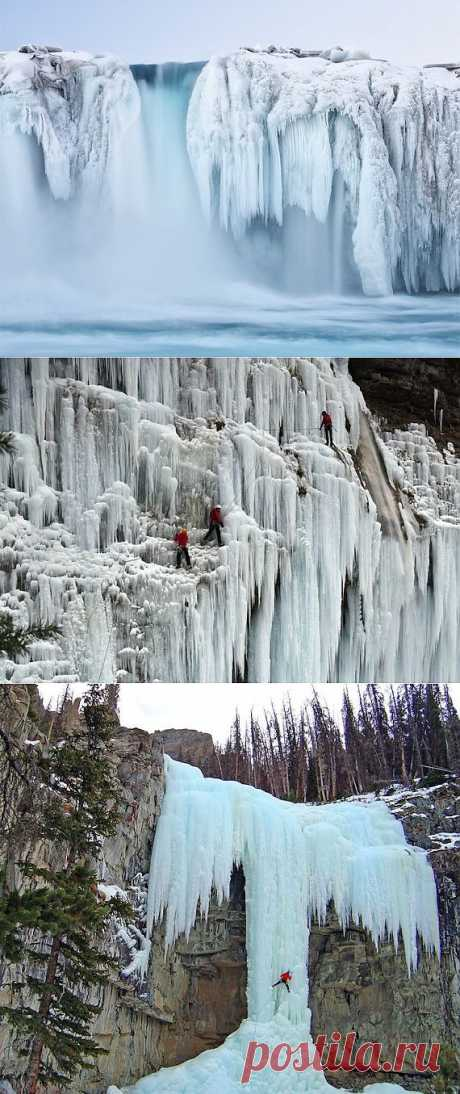 Фантастические замерзшие водопады / Туристический спутник