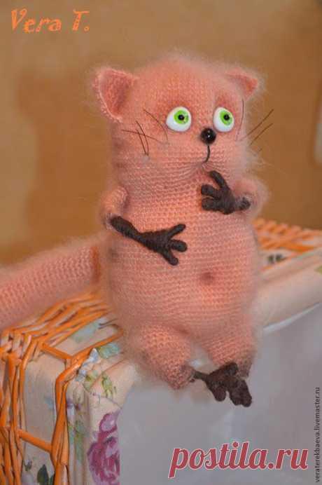 Просто потрясающий мастер-класс по вязаному котику! Автор мастер-класса: Вера Терекбаева