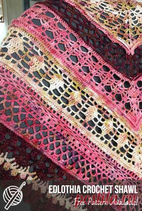 Triangular Free Crochet Scarf Patterns   Patterns Center #crochet #crochetscarf #crochetscarfpattern #freecrochetidea