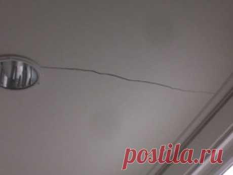 Если на потолке или стенах образовалась щель — Полезные советы