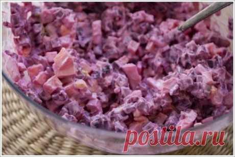 Свекольный салат на 100грамм - 99.11 ккалБ/Ж/У - 8.01/4.87/5.82