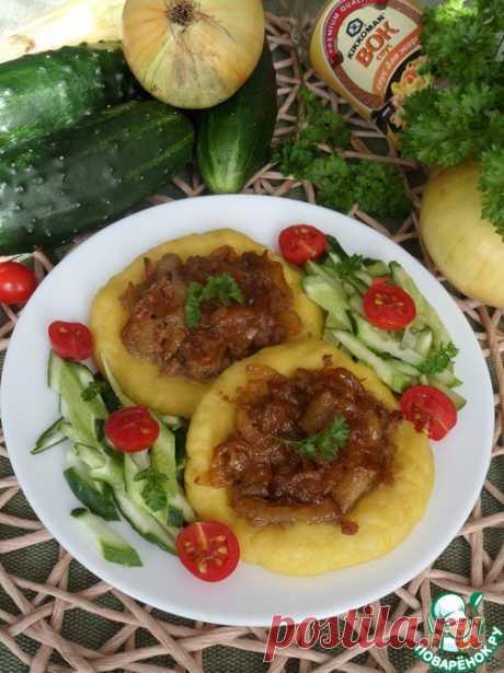 Картофельные ватрушки с мясом и луком.