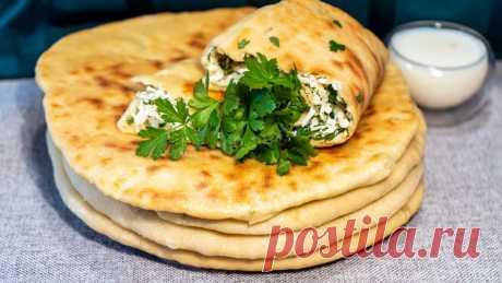 Лепешки на кефире с сулугуни и зеленым луком на сковороде рецепт с фото пошагово и видео - 1000.menu