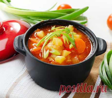 5 оригинальных рецептов постных супов фото   Ингредиенты (на 3–4 порции):  2 чашки цветной капусты, 2 больших стебля сельдерея, 3 большие моркови, 4 зубчика чеснока (раздавить), 1 луковица, 1 печеный перец, 1,5–2 л горячей воды или овощного бульона, 2 чашки приготовленной киноа (крупа), 2 ложки сахара, сладкий перец.