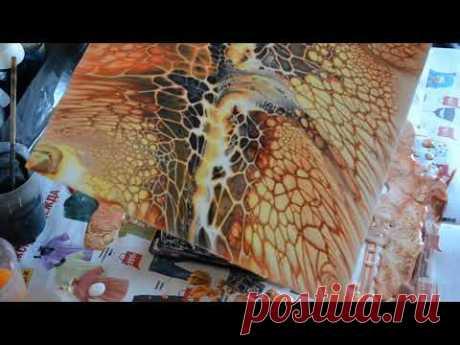 Огненная #1 Акриловая заливка на строительных материалах. / Acrylic fluid pouring . Fiery Bloom.