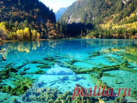 Девять самых удивительных озер мира