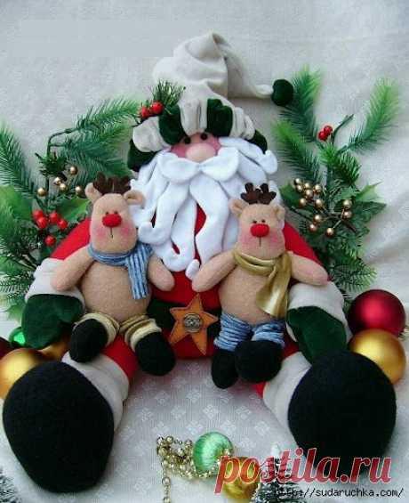 Санта Клаус с оленями. Текстильная кукла..