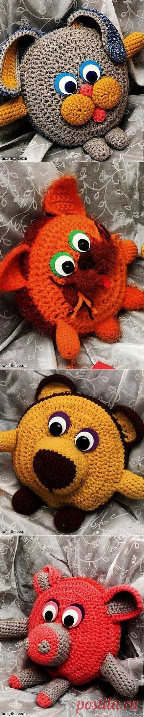 Игрушки - подушки в детскую комнату.